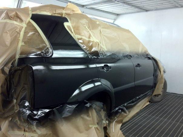 Покраска авто в чёрный цвет глянец